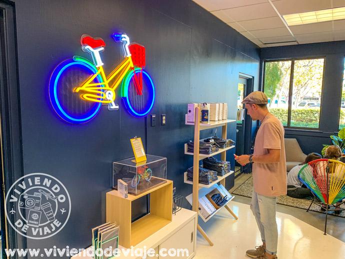 En la tienda de souvenirs de Google