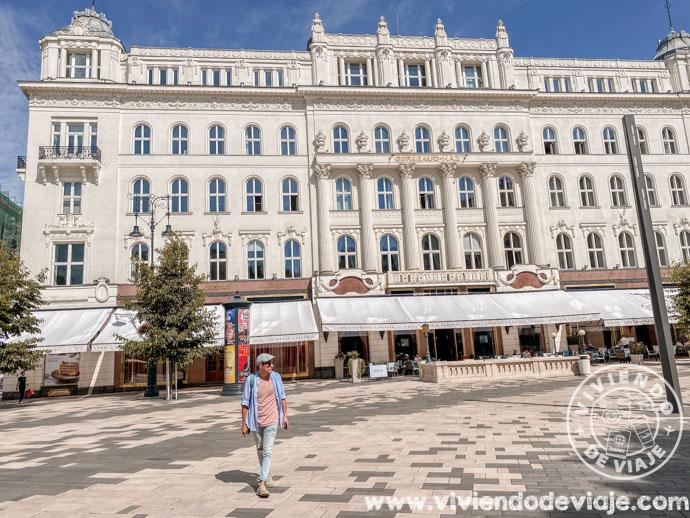 CaféGerbeaud en la plaza Vörösmarty