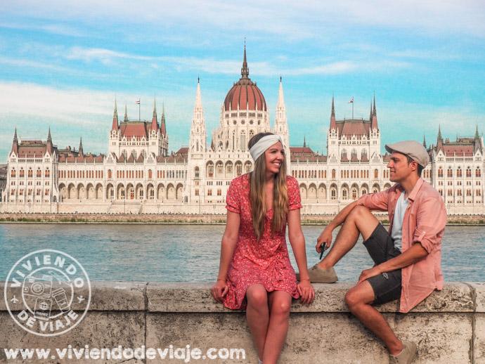 Parlamento de Budapest, visto desde el otro lado del Danubio
