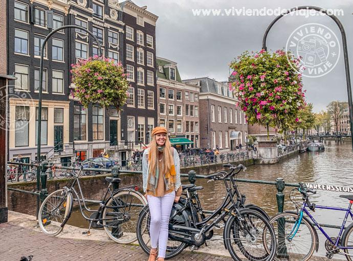 Pasear por los canales de Amsterdam