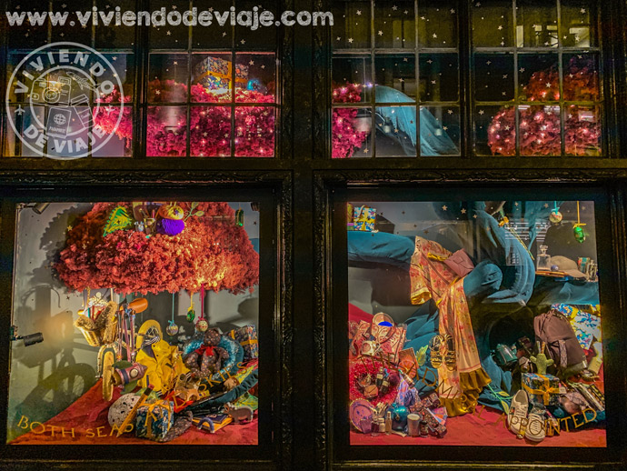 Escaparate de Liberty London en Navidad