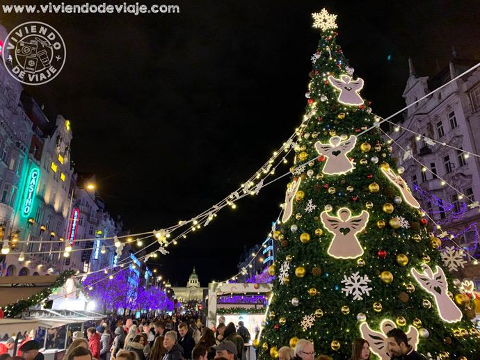 Mercado navideño de la Plaza de Wenceslao en Praga