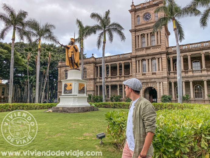 Estatua del rey Kamehameha en Honolulu