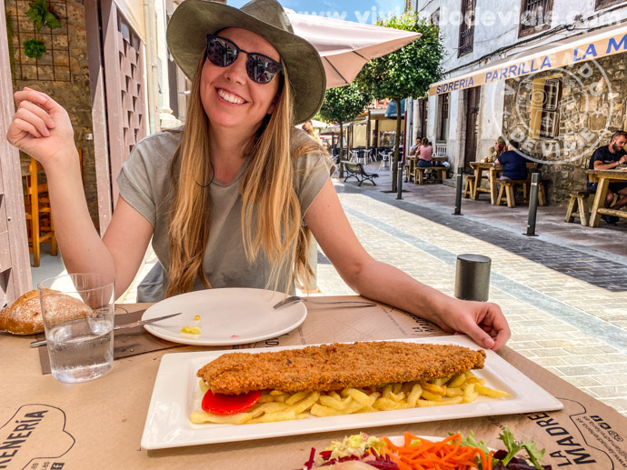 Comer en Asturias cachopo