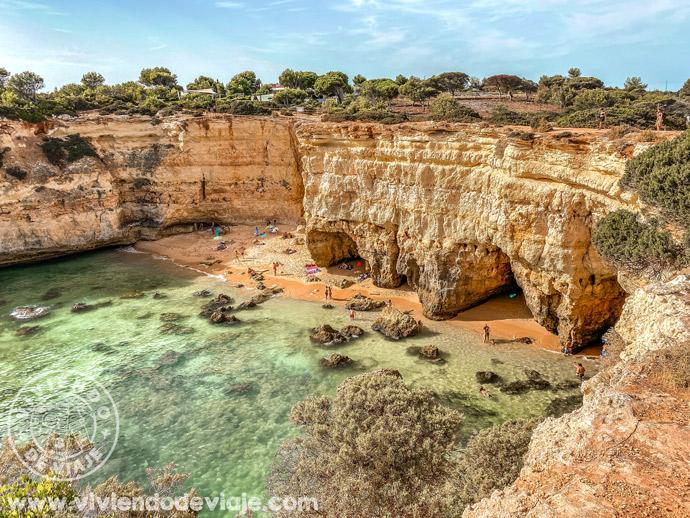 Praia de Albandeira en el Algarve