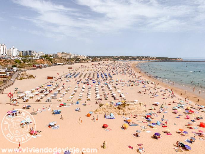 Praia da Rocha, una playa del algarve completamente accesible
