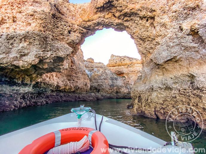Paseo en barco al atardecer en el Algarve