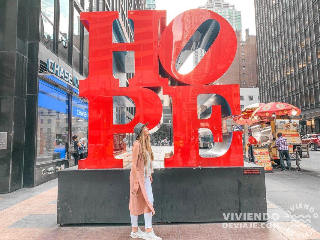 Escultura HOPE en Nueva York