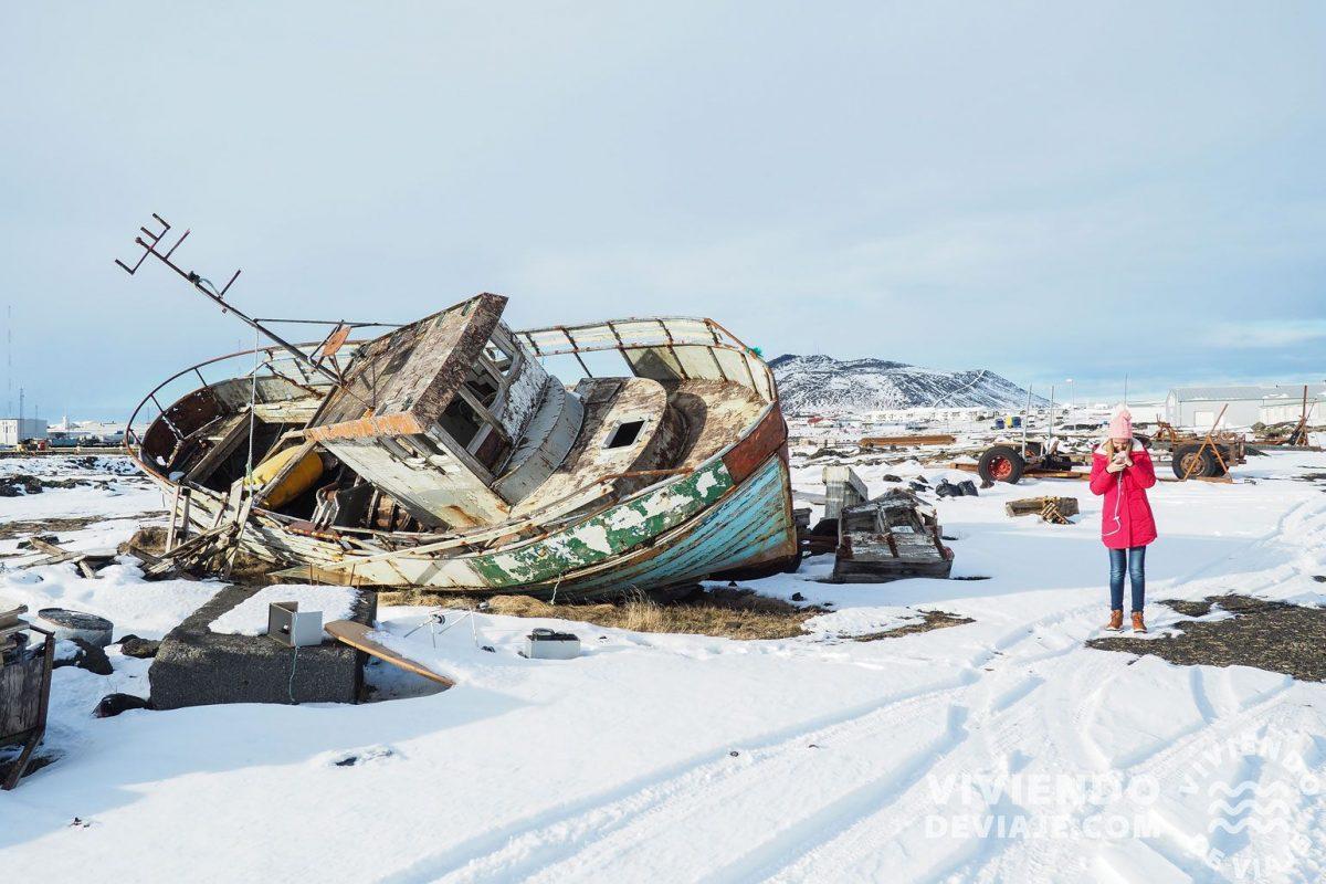 Barco abandonado en Grindavik
