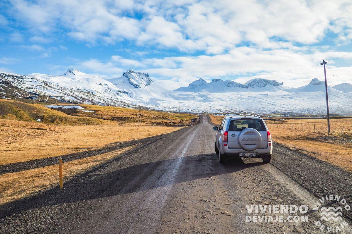 Consejo para alquilar un coche en Islandia: Fíjate en la política de kilometraje