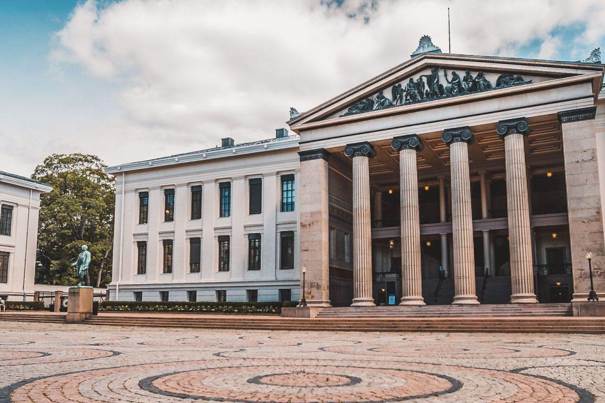 Alojarse en Oslo cerca del Parlamento