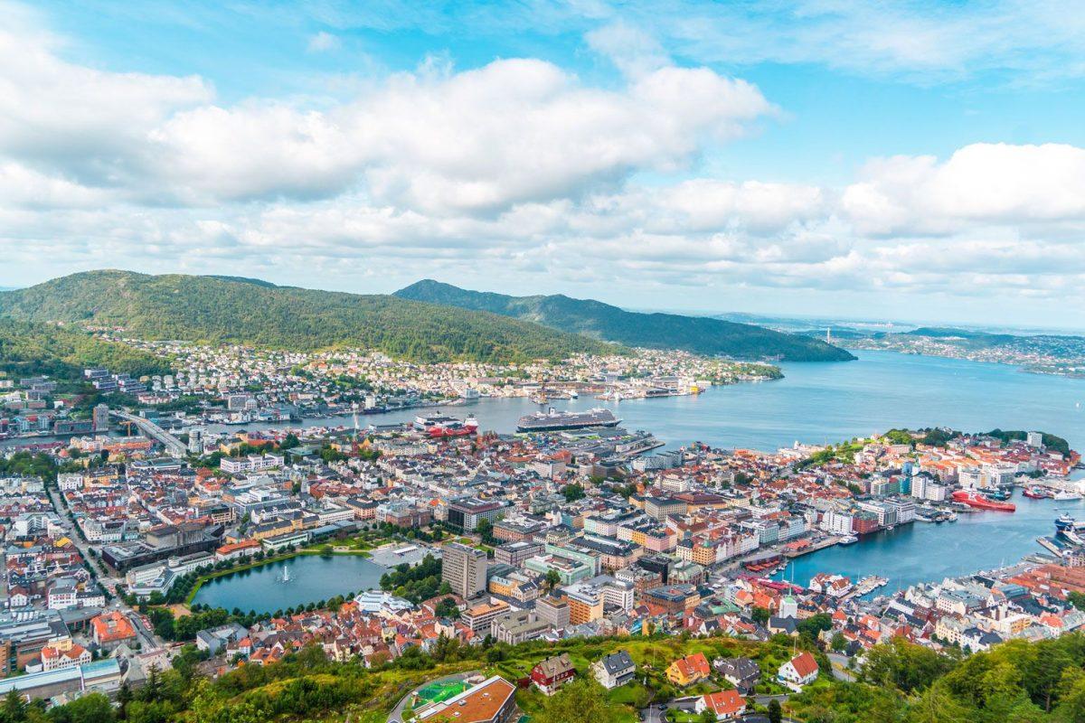 Subir al monte Fløyen en Bergen