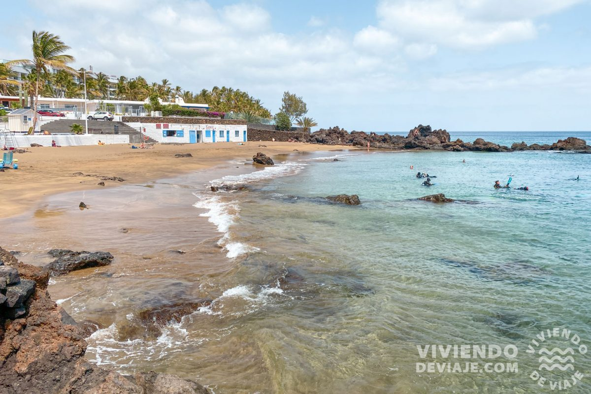 Hacer snorkel en Playa Chica, una de las cosas que hacer en Lanzarote